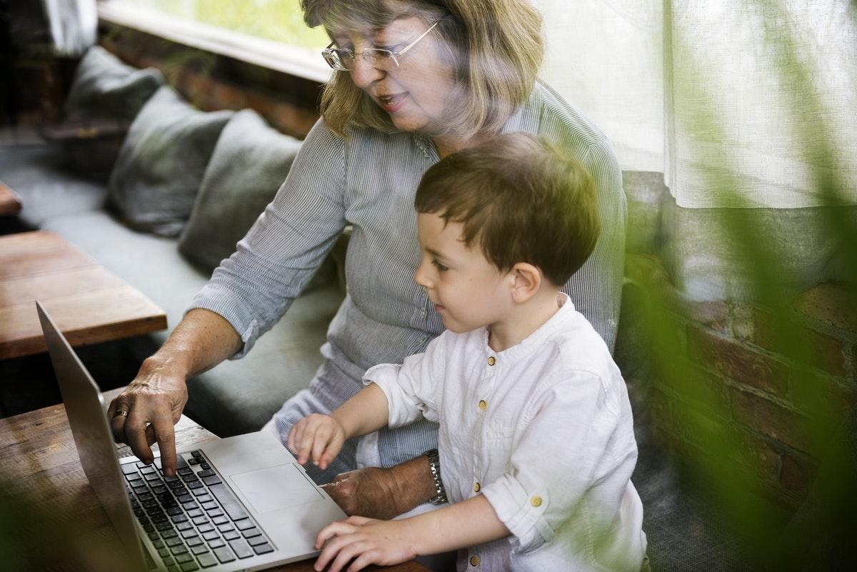 美国孩子都在用的14个少儿编程网站和 App